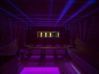 Lichtspiel in der Sauna