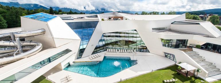 Einzigartig ist die Architektur der Kärnten Therme. Auf 11.000 Quadratmeter erwartet Besucher eine moderne Erlebniswelt.