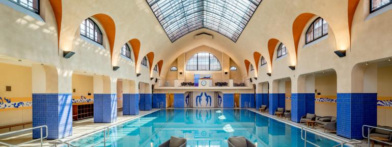 Die Schwimmhalle im Kaifu-Bad bietet jede Menge Platz.