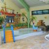 Die familienfreundliche Badelandschaft beinhaltet auch ein Kinder- und Babybecken.