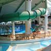 Im Innenbereich der Badewelt befindet sich eine 50 Meter lange Erlebnisrutsche.