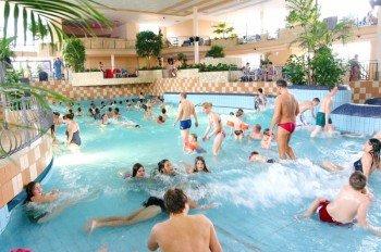 In der Badewelt des Monte Mare Kaiserslautern haben nicht nur Kinder ihren Spaß