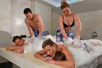 Neben Anwendungen im Hamam werden auch klassische und Ayurveda-Massagen angeboten