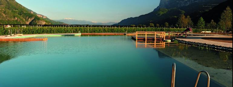 Das Naturbad Gargazon liegt eingebettet in die Ferienregion Meran und Umgebung.
