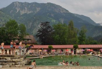 Mit viel frischer Luft und herrlicher Bergkulisse - Bad Hindelang´s Naturbad