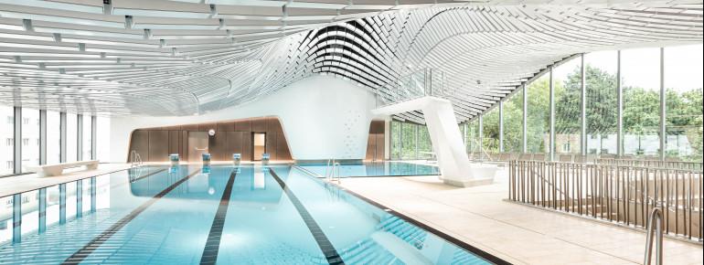 Im neuen Schwimmbad befinden sich vier verschiedene Becken, darunter ein 25 Meter langes Sportbecken.