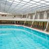 Für Schwimmer gibt es ein großes Sportbecken in der Römertherme.