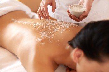 Salztal-Peeling-Massage