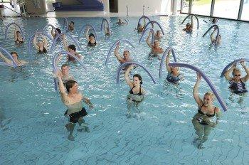 Fit durch Wassergymnastik
