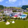 Der Swiss Holiday Park glänzt durch seine Lage mitten in der Natur