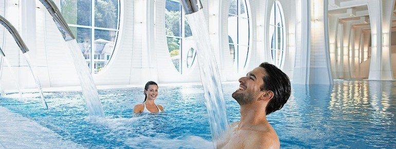 Auf 7.300 Quadratmetern bietet die Tamina Therme Bad Ragaz Entspannung für den ganzen Körper.