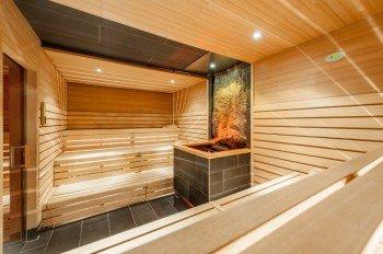 Zehn verschiedene Saunen und Dampfbäder gibt es in de Tauern Spa Saunawelt