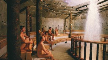 Die Geysirhöhle im Saunabereich
