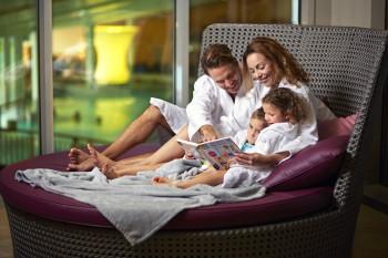 In der Therme Laa fühlen sich auch Familien wohl.