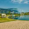 Außenanlage mit Playa Paradiso und Natursee