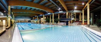 Das große Hallenbad in der Thüringen Therme