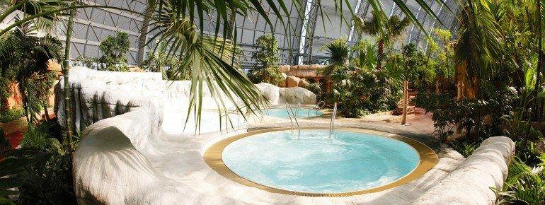 tropical islands krausnick schwimmen wellness. Black Bedroom Furniture Sets. Home Design Ideas