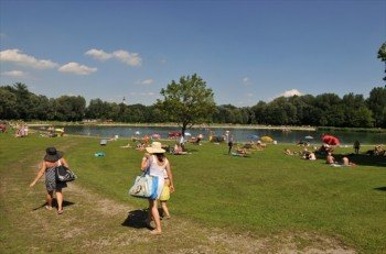Vor allem bei Naherholungsgästen aus der Stadt Salzburg steht der Badesee Liefering ganz hoch im Kurs