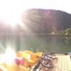 Tretbootverleih, eine Insel mitten im Badesee - In Ried im Oberinntal wird jede Wasserratte fündig