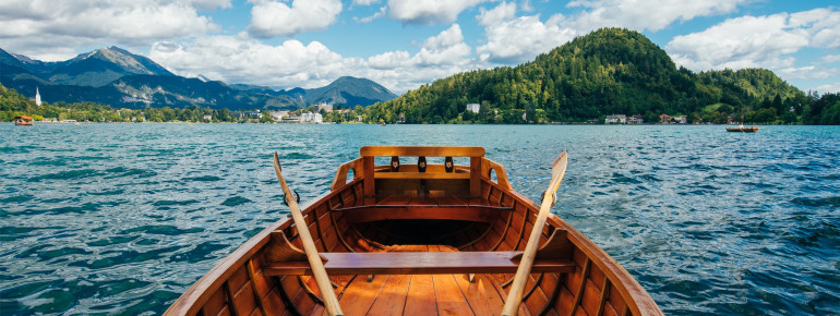 Rudern ist auf dem Bleder See eine der tradtionsreichsten und beliebtesten Sport- und Freizeitmöglichkeiten.