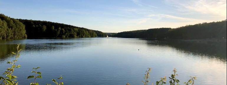 Der Ellertshäuser See ist der größte Stausee in Unterfranken.