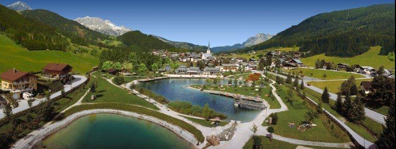 Kristallklares Quellwasser ist das Markenzeichen des Seeparks Sankt Martin. Eingebettet in das wunderschöne Tennengebirge.