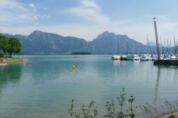 Egal ob Baden oder Bootsfahren, am Forggensee ist viel geboten.