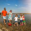 Der See ist ein beliebtes Ausflugsziel für Familien.