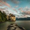 Südlich von Montreux liegt das Schloss Chillon.