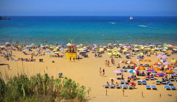 Golden Bay ist bei Touristen ebenso beliebt wie bei Einheimischen.