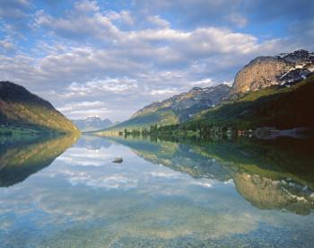 Der Grundlsee wird auch Steirisches Meer genannt.