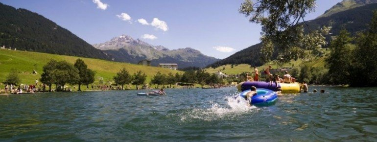 Der Lai Barnagn ist einer der wärmsten Seen der Alpen