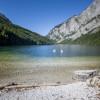 Kristallklar ist das Wasser im Leopoldsteiner See bei Eisenerz.