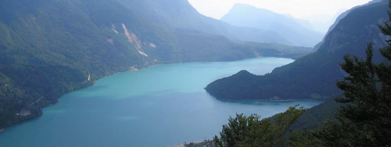 Der Molveno See von oben.
