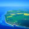 Die Insel Poel liegt nahe Wismar in der Wismarer Bucht in der Ostsee.