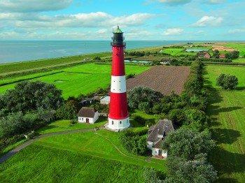 """Auf dem berühmten Leuchtturm von Pellworm gaben sich bereits über 4000 Paare das """"Ja-Wort""""."""