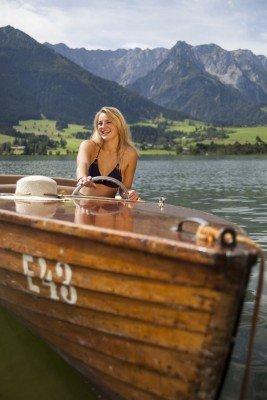Den Walchsee auf dem Boot erkunden