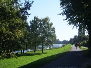 Die Promenade ist nicht nur bei Spaziergängern, sondern auch bei Skatern, Radfahrern und Joggern sehr beliebt.