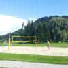 Am See gibt es ein Beachvolleyball-Feld