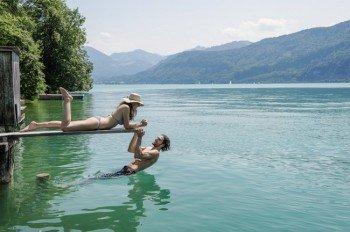 Rund um den See verteilt gibt es sowohl öffentliche als auch private Badeplätze.