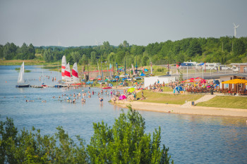 Schladitzer Bucht has something for everyone - be it surfing, sailing, or just swimming.