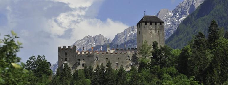 Schloss Bruck prägt das Stadtbild Lienz'