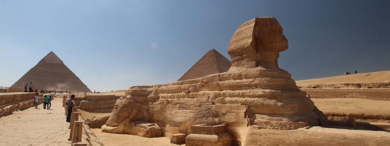 Sphinx und Pyramiden in Gizeh