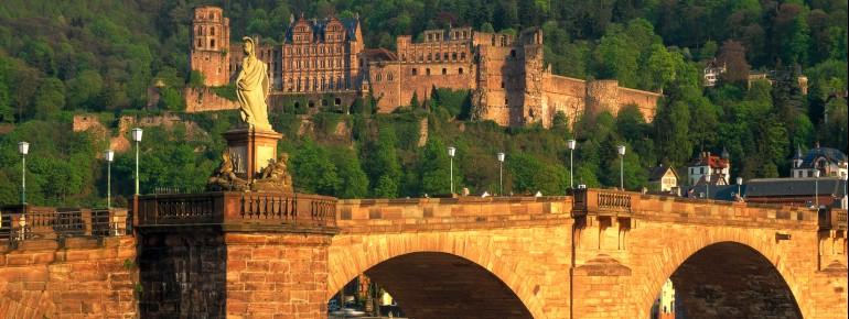 Die Alte Neckarbrücke in Heidelberg.