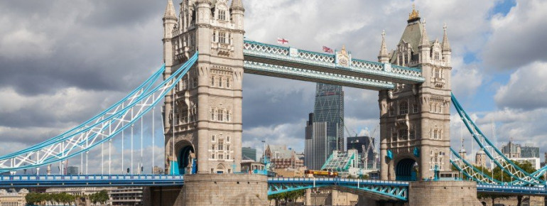 Blick auf die Tower Bridge in London