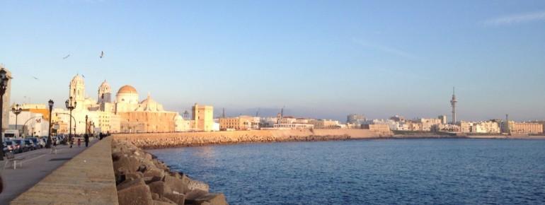 Altstadt und Küste von Cadiz