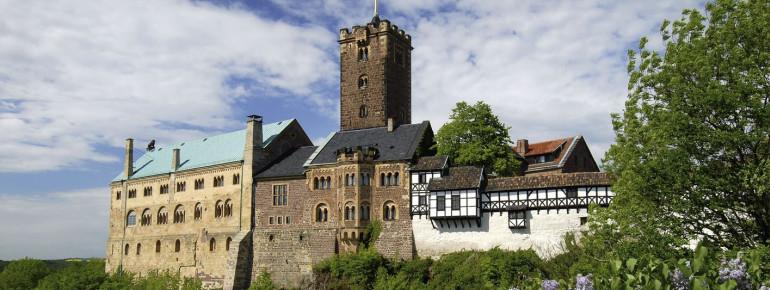 Auf der Wartburg in Eisenach übersetzte Martin Luther das Neue Testament.