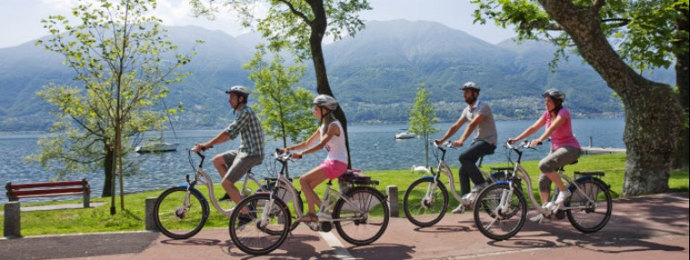 Radfahrer am Lago Maggiore